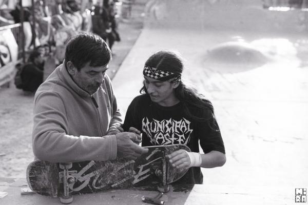 Roque Sasquella con el viejo, rompiendo rulemanes por 3ra vez. Foto: Simón Campos