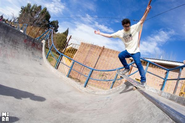 Taka Contreras, fakie crooks. Foto: Manu Urbano