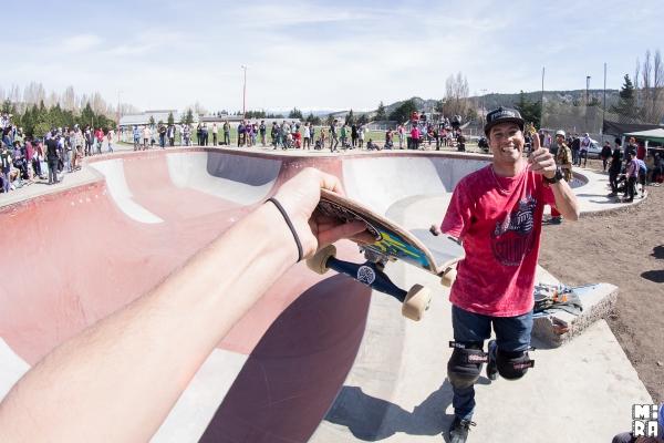 Devolución de skate atentado. Foto: Manu Urbano