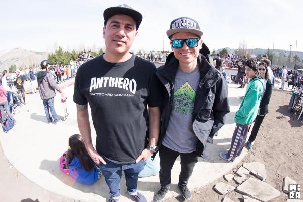 Galass y Pablito, representantes del skate de Madryn.  Foto: Manu Urbano